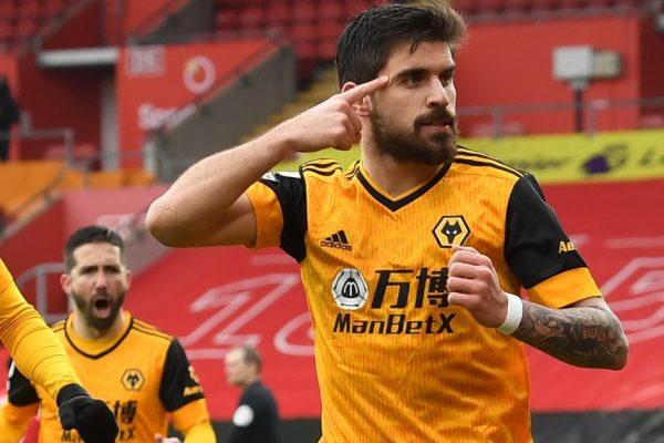 Arsenal talks with Wolves over Neves